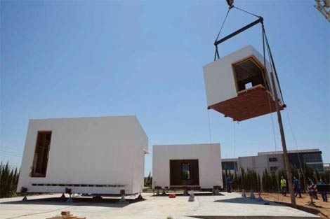 Primer montaje de la casa Patio en el municipio cordobés de La Rinconada. | E. M.