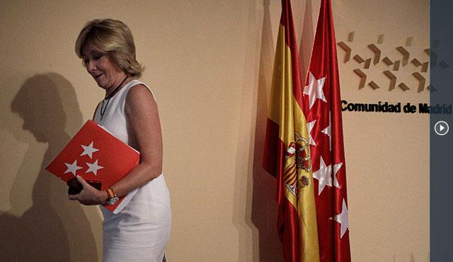 Esperanza Aguirre, tras la rueda de prensa. | Alberto di Lolli