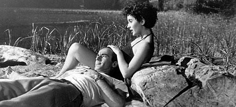 Con Montgomery Cliff, en 'Un lugar en el sol'. | Gtres