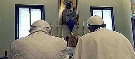 Benedicto XVI y Francisco. | Corriere della Sera