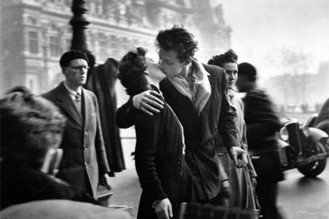 'El beso', una de sus fotografías más reconocidas. | MFR