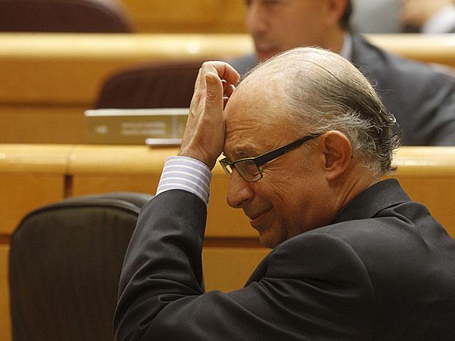 El ministro de Hacienda, Cristóbal Montoro, en el Senado. | José Aymá