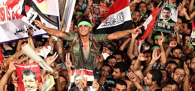 Seguidores de la Hermandad se manifiestan en apoyo del depuesto Mursi. | Efe