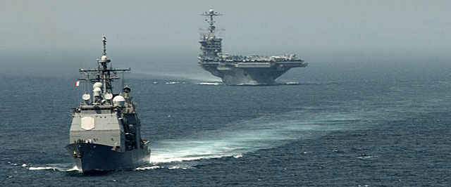 Los portaaviones USS Gettysburg y USS Harry Truman cruzan el estrecho de Gibraltar hace días. | Afp