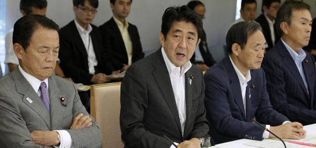 El primer ministro nipón, Shinzo Abe, anuncia la ayuda económica a Fukushima. | Reuters