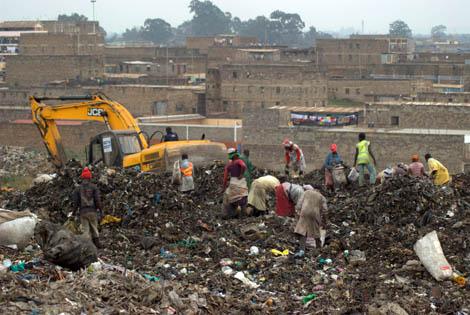 Kenia: Centenares de personas muertas en conflictos por agua, tierra y otros recursos. 1381658454_extras_ladillos_2_0