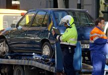 La grúa podrá retirar un coche aparcado en zona azul cuando no haya colocado el tique.