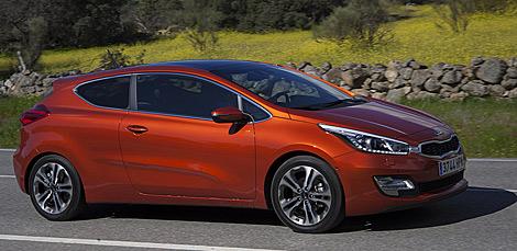 FERIA INTERNACIONAL DEL AUTOMOVILISMO,AUTOS TUNING-http://estaticos03.cache.el-mundo.net/elmundomotor/imagenes/2013/04/12/coches/1365768096_0.jpg