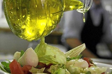 Una dieta mediterránea y evitar grasas saturadas ayuda a elevar los niveles de HDL | Reuters