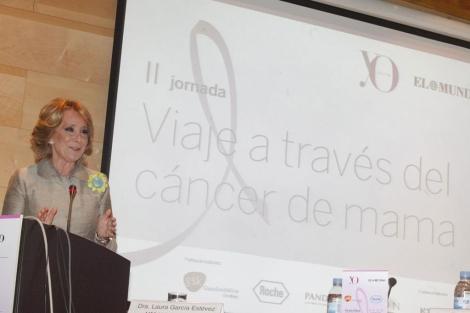 Esperanza Aguirre, en las Jornadas Viaje a través del cáncer de mama. | Óscar Monzón