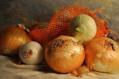 La piel marrón de la cebolla es rica en flavonoides. | Foto: SINC