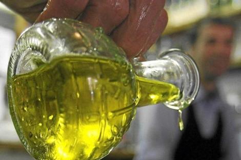 El aceite de oliva eleva el colesterol 'bueno'. | Reuters.