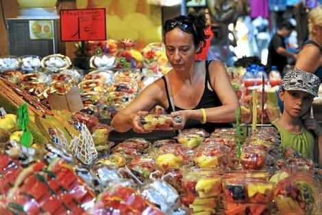 Puesto del Mercado de la Boquería en las Ramblas. | Santi Cogolludo