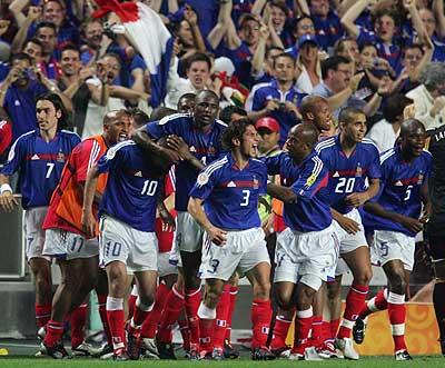Francia celebra el gol frente a Inglaterra