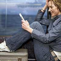 VENTAS. El número de Kindle vendido por Amazon durante 2008 podría superar el medio millón, según varias consultoras. La compañía presentará mañana una nueva versión. | 2009 será el año en el que el libro electrónico entre en España de forma decidida. Sony traerá sus lectores y el contenido empezará a crecer. Las búsquedas de libros se han doblado en 2008.