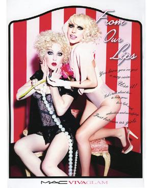 Cindy Lauper y Lady Gaga en la campaña de MAC VIVA Glam IV,obra de Eleen von Unwerth.